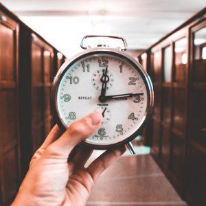 El mito de no tener que cargar horas cuando se cobra flat-fee: ¿realidad o ficción?