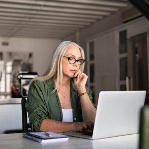 7 riesgos del teletrabajo y recomendaciones para superarlos